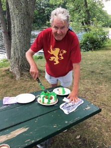tom cut cake