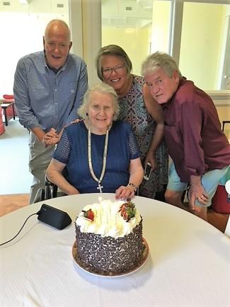 mom at 92 birthday